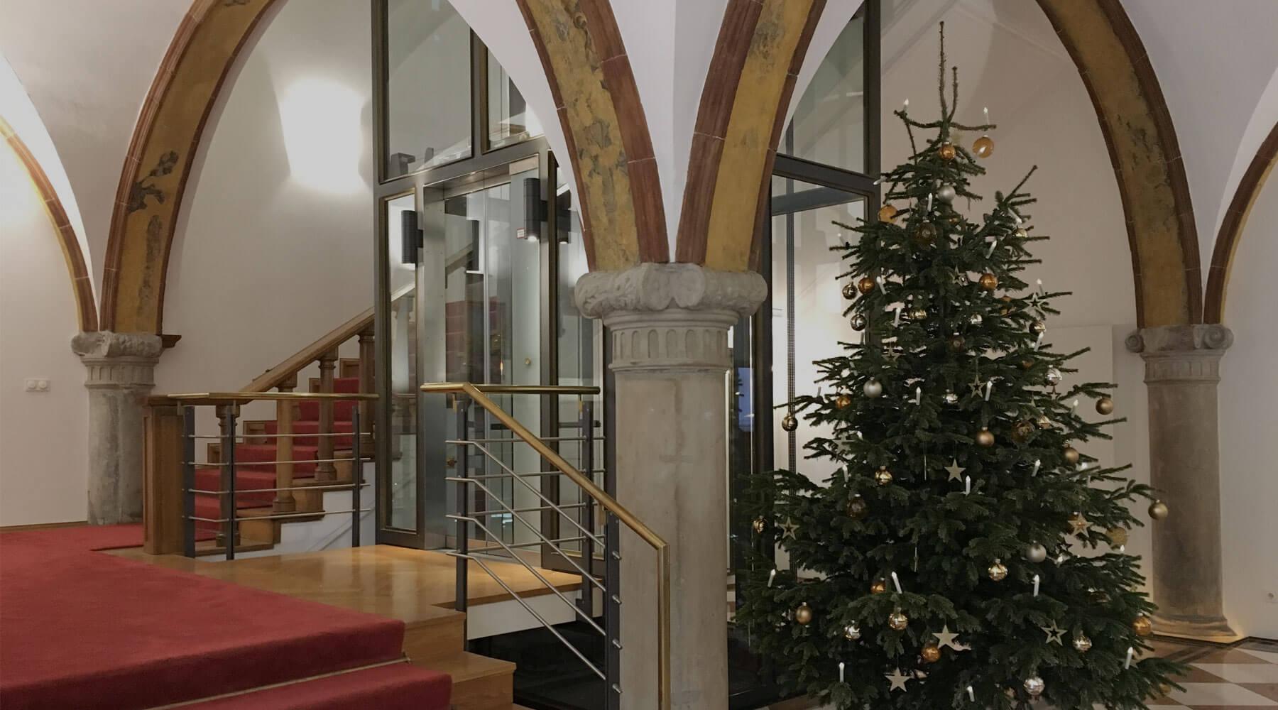 Die Fürst Fugger Privatbank wünscht frohe Weihnachten und einen guten Rutsch ins neue Jahr